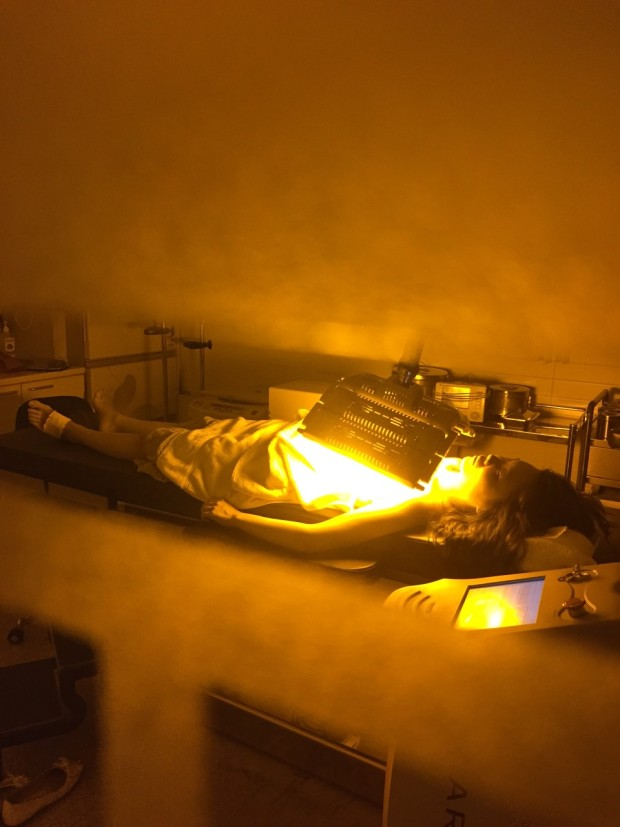 術後立即照有機光動力療程SMARTLUX這樣等會麻醉推掉時候就不會覺得痛了^_^
